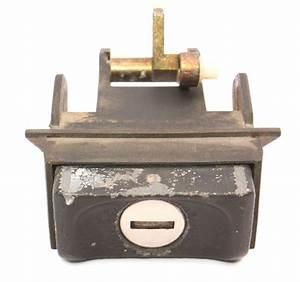 Hatch Button Lock Cylinder  U0026 Housing 85