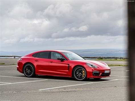 With 353 kw (480 ps) and 620 nm, the new. Porsche Panamera GTS (2021) - picture 6 of 73