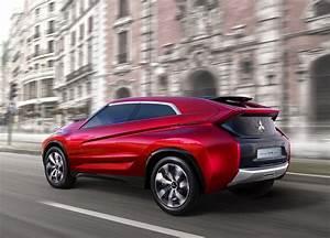 Voiture Hybride Rechargeable Renault : mitsubishi xr phev un second suv hybride rechargeable pour 2016 vid o ~ Medecine-chirurgie-esthetiques.com Avis de Voitures
