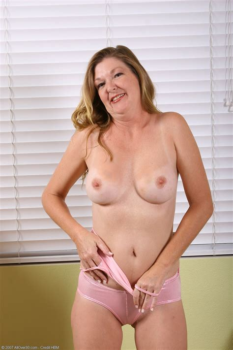 Jules Naked Mature