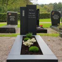 Grabsteine Preise Einzelgrab : zweiteiliger moderner grabstein einzelgrab mit grabeinfassung ~ Frokenaadalensverden.com Haus und Dekorationen
