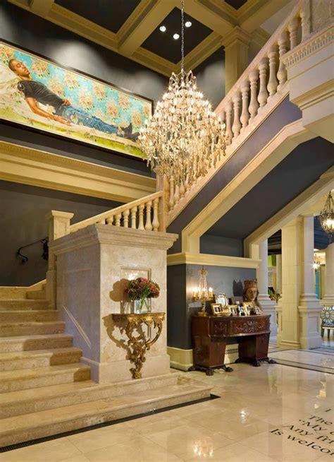 Classical Italianate Villa In Minnesota