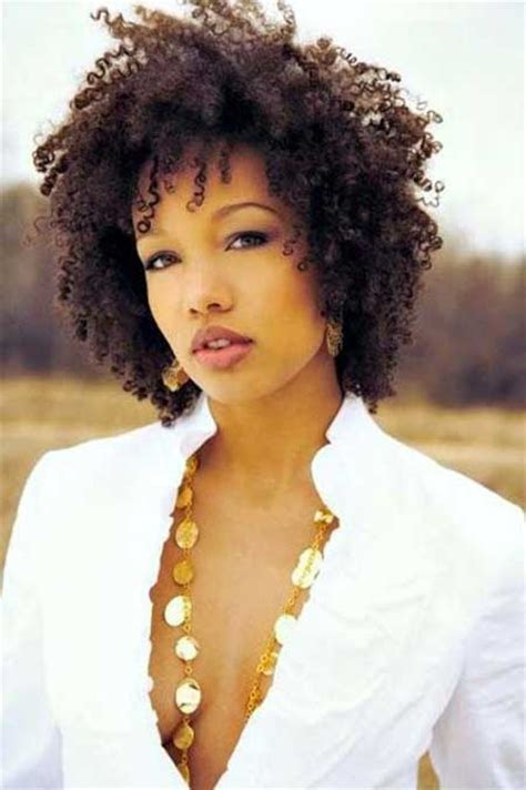 short curly hairstyle for black women short hairstyles