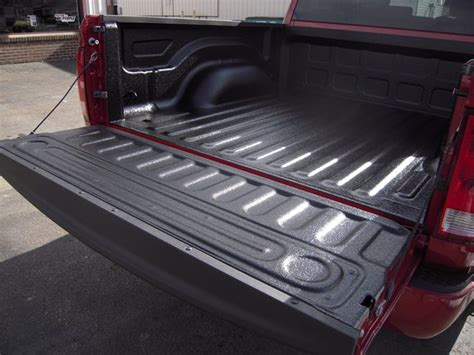 spray  bed liners custom truck accessories