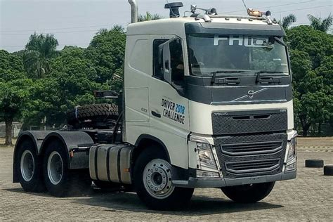 pangsa pasar volvo trucks  indonesia merosot