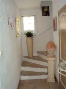 Decoration Escalier Maison by D 233 Coration Entr 233 E De Maison Avec Escalier
