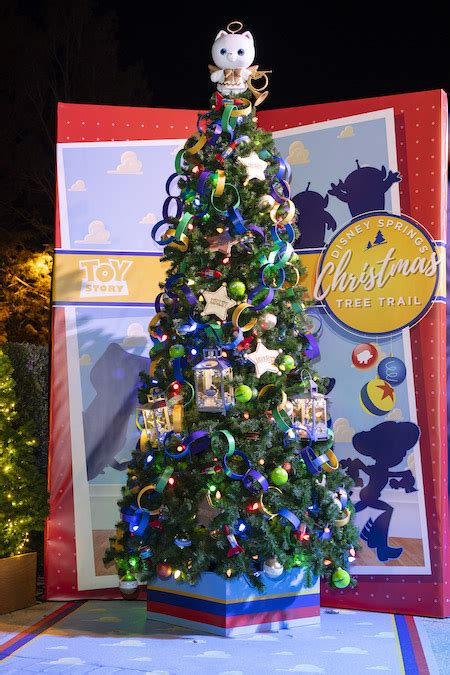 disney springs christmas tree trail features