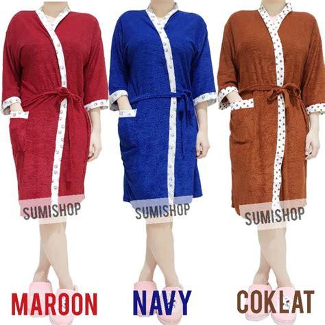 Cocok dipakai menutupi tubuh setelah berenang agar tidak kedinginan. Kimono Handuk Wanita Dewasa | Shopee Indonesia