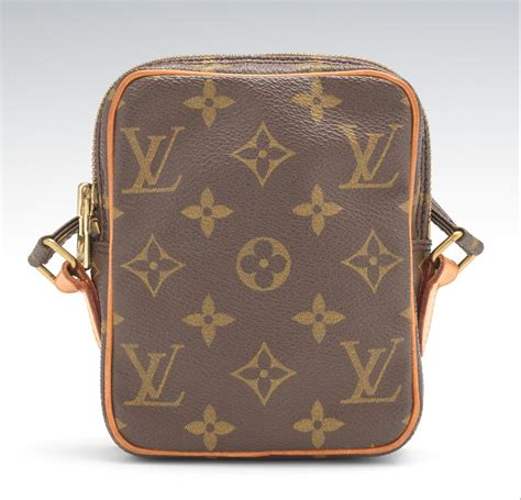 louis vuitton monogram canvas mini danube pochette cross