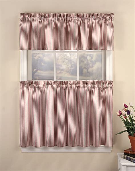 half window curtains to create sophistication in your home