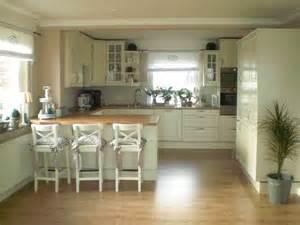 esszimmer landhaus idee die besten 17 ideen zu landhausküche auf bauernküchen lager für küchengeräte und