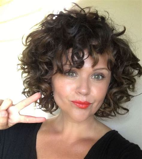 Best Curly Bob Hairstyles for Women with Chic look Short