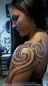 Tatouage Femme Epaule Discret : tatouage maori epaule femme ~ Melissatoandfro.com Idées de Décoration