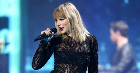 Tay and Ari joining the Billboard Music Award Line-up for ...