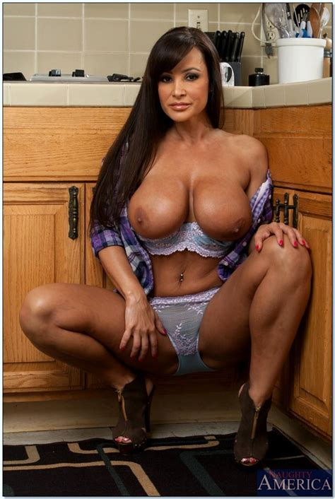 Babe Today My Friend's Hot Mom Lisa Ann Features Big Tits Library Porn Pics