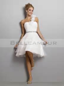 tenue pour mariage civil robe de mariée elégant une épaule organza a ligne mini