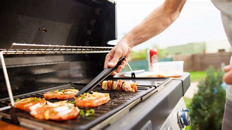 4 Types Of Outdoor Barbecue Grills  Which Should You Buy?