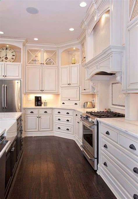 Decorating Ideas For White Kitchen Cabinets by Best 25 Cabinet Top Decorating Ideas On Top