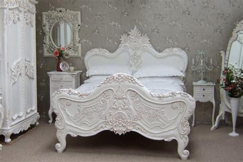 chambre à coucher style baroque le lit baroque en 40 photos romantiques archzine fr