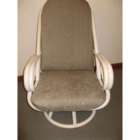fauteuil en rotin pivotant haut dossier
