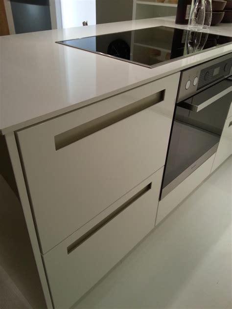 cuisines integrees des poignées de cuisine intégrées dans la façade