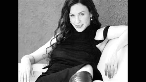 Alanis Morissette - You Learn - acoustic- HD - YouTube