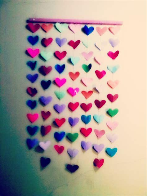 como hacer una cortina con corazones de papel como hacer corazones de papel crepe paper diy