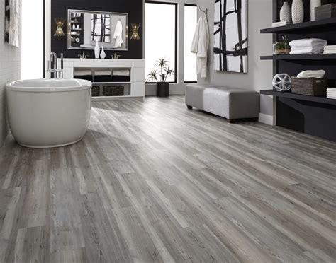 featured floor edgewater oak lvp