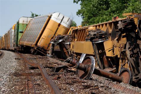 Train Derails Near Crestline