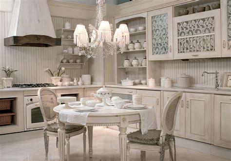 cocina de estilo clasico  acabado blanco patinado las