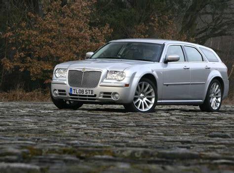 chrysler 300c kombi ingen kombi av nya chrysler 300c fyrhjulsdrift och hybrid kommer feber bil