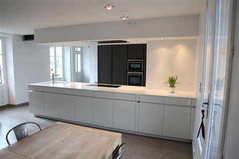 coffrage cuisine ouverture entre cuisine et salon maison design bahbe com