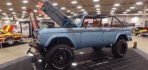 WOW 2018 4-Door Bronco Maxlider Brothers Customs-Classic Auto Insurance