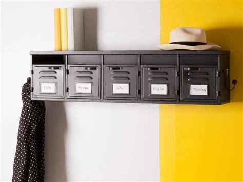 accessoire meuble cuisine etagère murale 5 casiers en métal noir et 2 patères l100cm