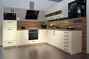 L Küche Mit E Geräten : l k che wei ~ Orissabook.com Haus und Dekorationen