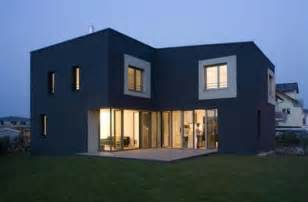 Simple Small Efficient Houses Ideas Photo by Modern L Shape House Design By Lorentz Roth Architects