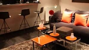 deco salon brun orange With tapis yoga avec canapé orange et marron