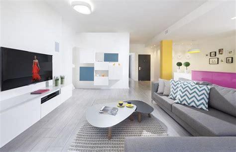 modern livingrooms מיס סינגפור דירה מוזנחת בחיפה עוברת שיקום בניין ודיור