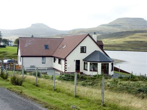 Lochside Cottage Dunvegan Self Catering Holiday Cottage