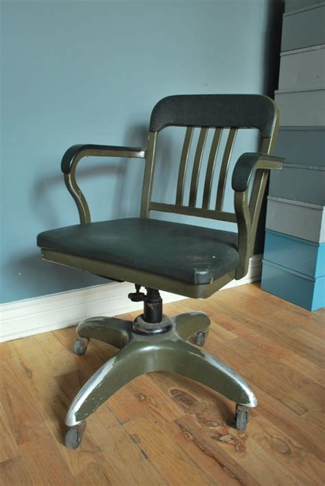 fancy vintage aluminum goodform office chair