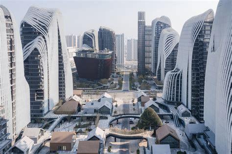 Sky Villa In Nanjing by Mad