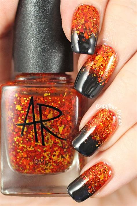 40+ Halloween Nail Art Ideas - Easy Halloween Nail Polish
