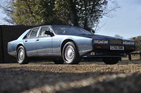 1976 1989 aston martin lagonda top speed