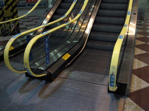 Escalator Advertising In Heathrow Airport