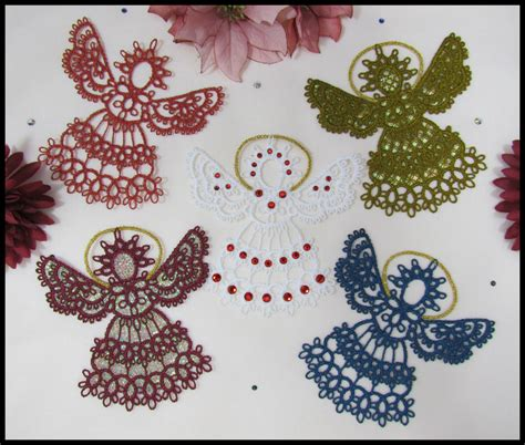 tatting shuttle  create lovely lacy designs