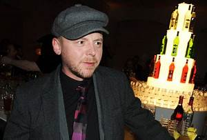 Simon Pegg biography, birth date, birth place and pictures