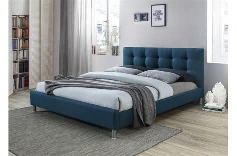 Opter pour la tête de lit tediber, c'est vous simplifier la vie. Lit Bleu 160 En Tissu Avec Tête De Lit Capitonnée EVA - Lit Design Pas Cher