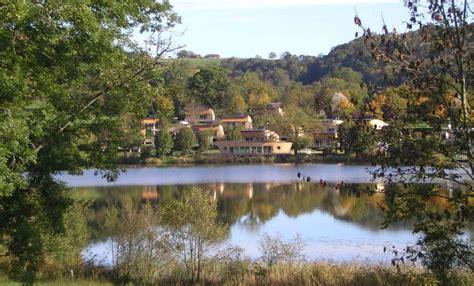 cing auvergne vacances du lac de menet cantal