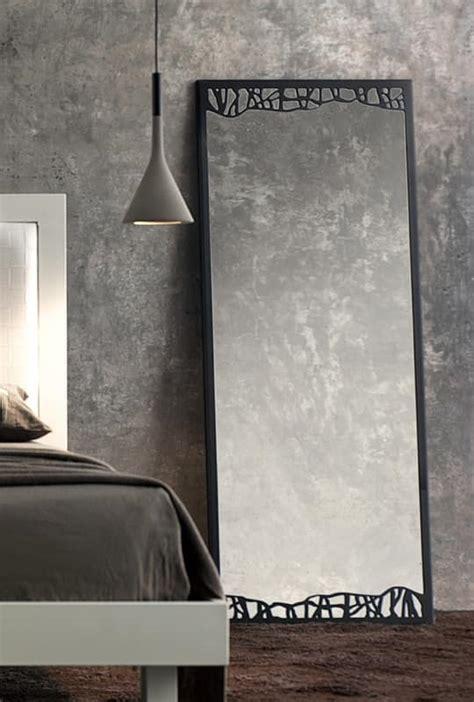 specchio classico  cornice sottile  metallo idfdesign