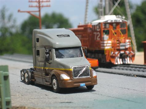 ups freight volvo vnl truck tractor
